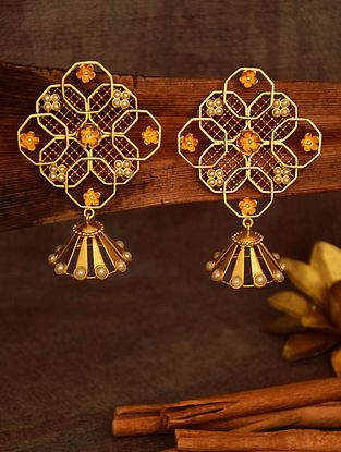 Classic Gold Tone Jhumki Earrings with Pearls