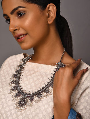 Maroon Tribal Silver Necklace with Pearls