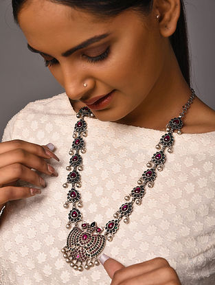 Maroon Green Tribal Silver Necklace