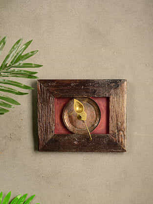 Vintage Wood and Brass Wall Accent (8.3in x 10.3in)