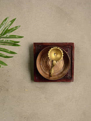 Vintage Wood and Brass Wall Accent (6.2in x 6.2in)