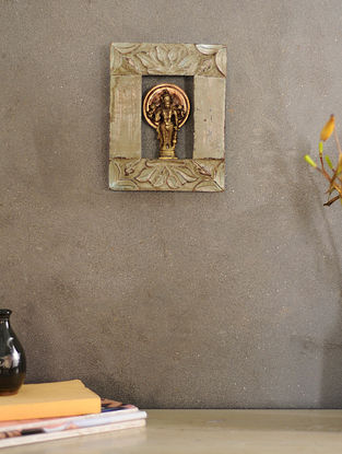Vintage Inspired Wood and Brass Wall Accent(L:11in, W:8.5in)