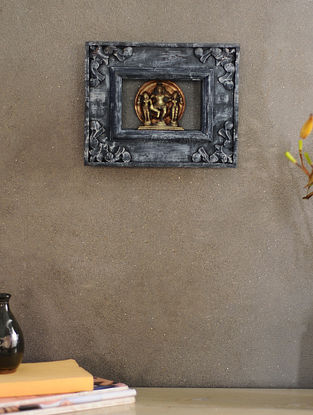 Vintage Inspired Wood and Brass Wall Accent(L:9.2in, W:7.2in)