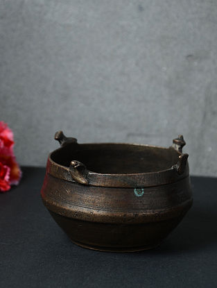 Vintage Inspired Brass Container (Dia - 4.5in, H - 2.6in)