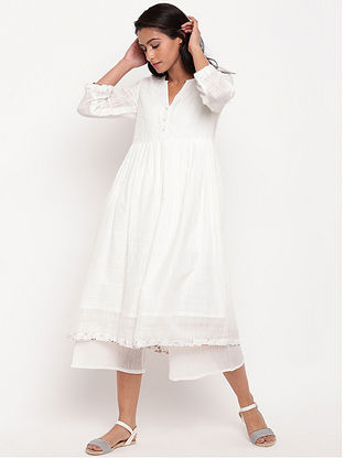 White Cotton Kurta with Floral Details and Lining