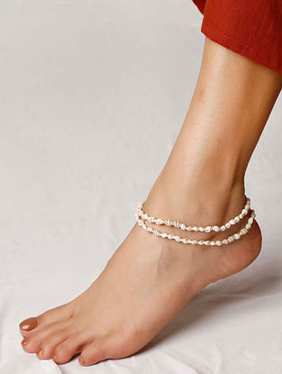White Handcrafted Shells Anklet