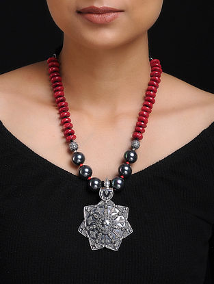Black Shell Pearl and Coral Beaded Silver Necklace
