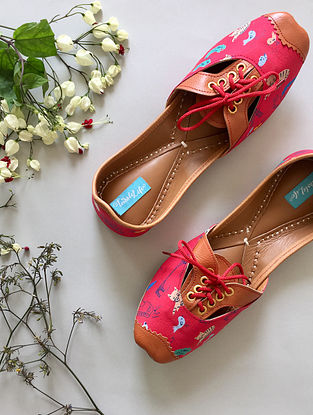 Red-Tan Printed Leather Juttis