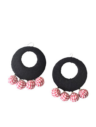 Black-Red Thread Earrings