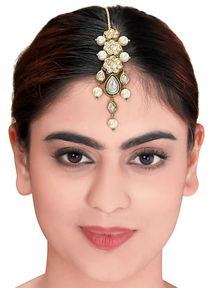 Gold Tone Kundan Maang Tikka with Pearls