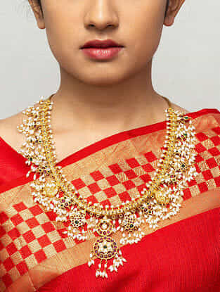 Maroon Green Gold Plated Necklace with Pearls