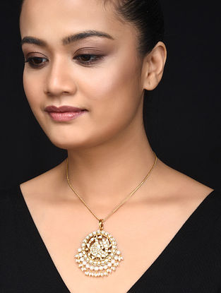 Gold Plated Kundan Inspired Silver Pendant with Pearls
