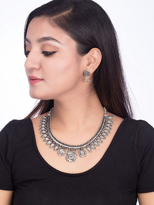 Classic Silver Tone Brass Necklace with a Pair of Earrings (Set of 2)