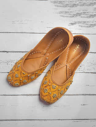 Mustard Printed Cotton Satin Jutti
