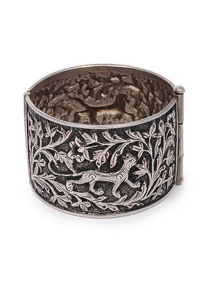 Tribal Silver Hinged Cuff (Bangle Size: 2/6)
