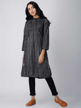 Black-White Handloom Cotton Kurta with Pintucks by Jaypore