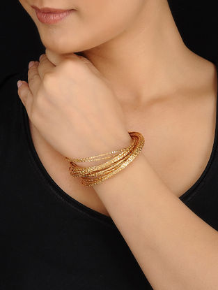 Classic Gold Tone Bangle