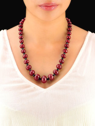 Maroon - Black Hand Beaded Necklace