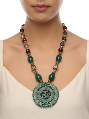 Burgandy-Green Carved Onyx Necklace