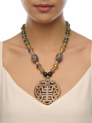 Green-Beige Carved Onyx Necklace