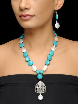 Turquoise and Pearl Beaded Necklace with Silver Pendant and a Pair of Earrings (Set of 2)