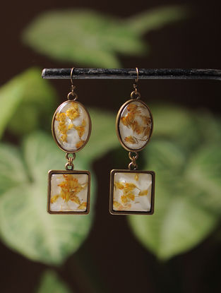 White Enameled Sundried Dandelions Brass Alloy Earrings