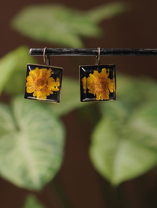 Black Enameled Sundried Daisy Brass Alloy Earrings
