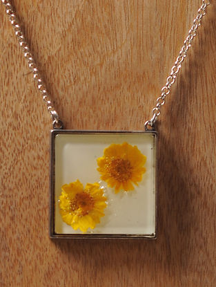 White Enameled Sundried Daisy Brass Alloy Necklace