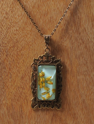 Green Enameled Sundried Dandelions Brass Alloy Necklace