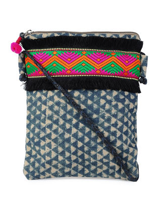 Green-Multicolor Printed Cotton Canvas Pouch with Lace and Tassel