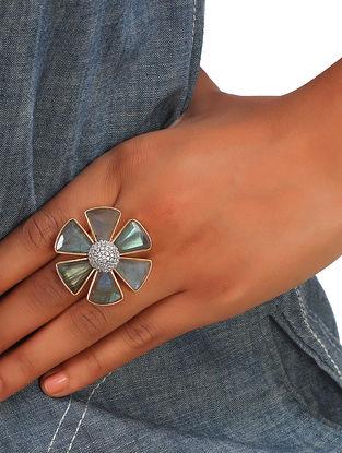 Grey Gold Tone African Daisy Labradorite Ring