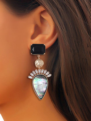 Black-White Mela Drops Earrings