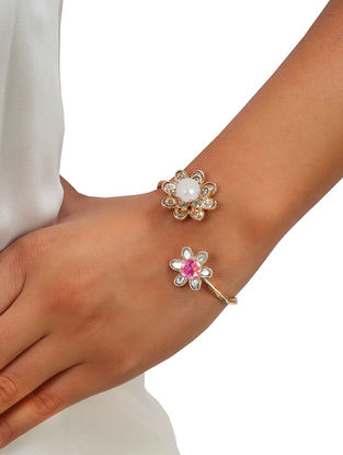 Rose Asteri Pearl Open Bangle