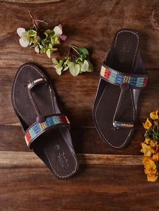 Brown Hand-crafted Wool Kilim and Leather Kolhapuri Flats