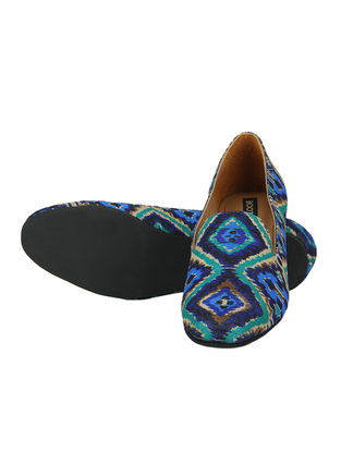 Blue Handcrafted Ikat Printed Cotton Loafer