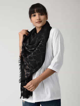 Black-Ivory Tie & Dyed Woolen Stole