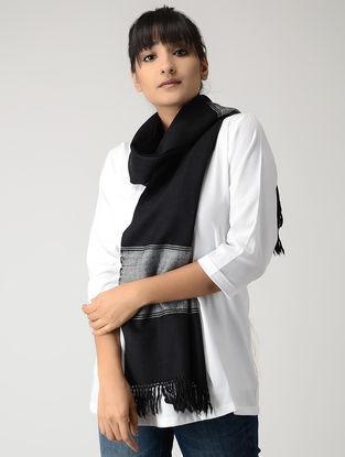 Black-Ivory Woolen Muffler