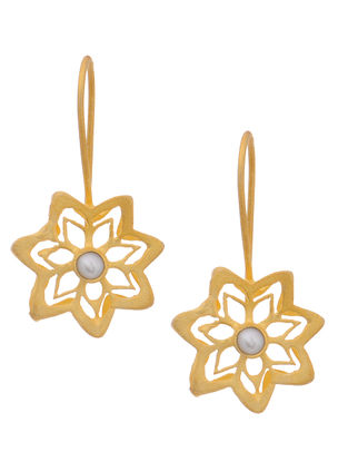 Classic Gold Tone Silver Earrings with Pearl