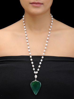Green Onyx and Pearl Silver Necklace