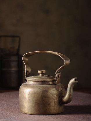 Vintage Brass Kettle (L:7in, W:4.5in, H:6in)