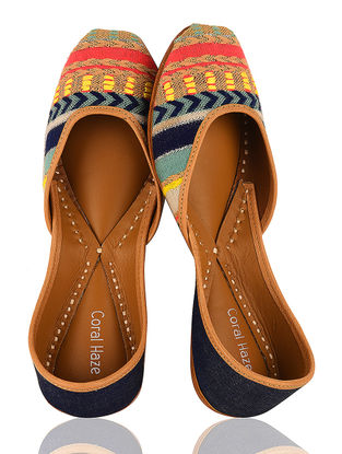 Multicolored Handcrafted Leather Jacquard Juttis