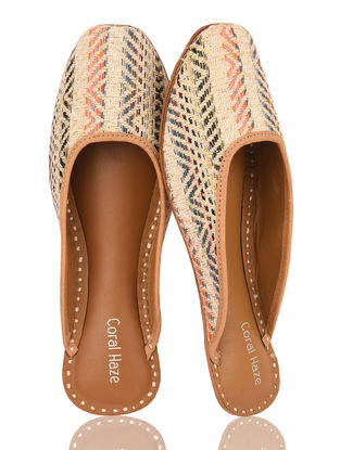 Beige-Multicolored Handcrafted Leather Jacquard Juttis
