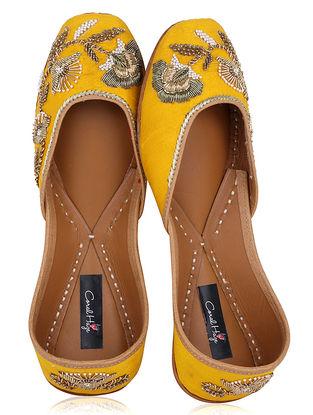 Yellow Zardozi Embroidered Raw Silk Juttis