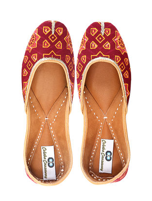 Red Handcrafted Cotton and Leather Juttis