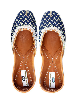 Blue-White Handcrafted Cotton and Leather Juttis