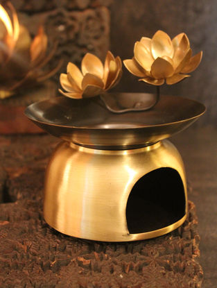 Ganga Mughdha Handcrafted Brass Tea Light Holder with Lotus Design (L:5.5in, W:5.5in, H:6.5in)