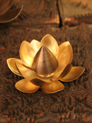 Ganga Sugandhini Handcrafted Brass Incense Holder with Lotus Design (L:3 .5 in, W:3.5in, H:3in)