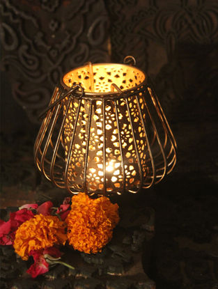 Rabindra Handcrafted Copper-plated Iron T Light Holder (L:4.7in, W:4.7in, H:6.6in)
