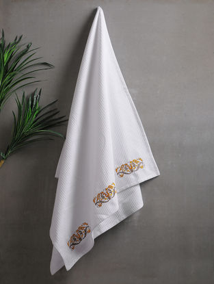 White Embroidered Cotton Hand Towels (Set of 2) (25.5in x 18in)