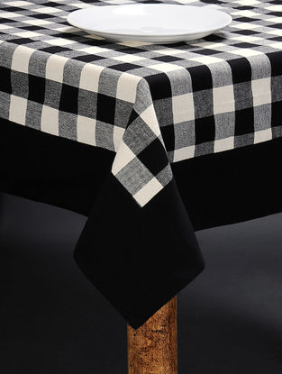 White-Black Cotton Table Cloth (90in x 60in)